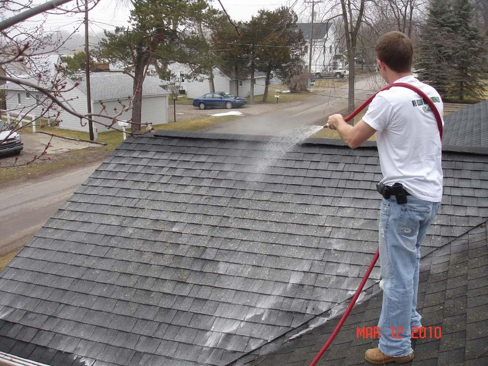 The best pressure washing in jacksonville florida - Using water pressure roof cleaning ...